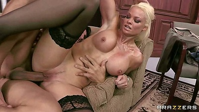 Horny milf sideways fuck with blonde Rhylee Richards